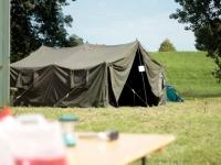 H5 tent op festival