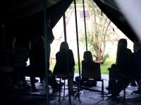 gezellig binnen in de tent